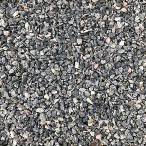 grå granitskærver i størrelse 8-11 mm.